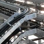 Укладка кабелей в кабельный лоток в Иркутске